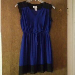 EUC Sleeveless V-Neck Cinched Waist Dress